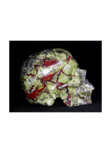 Skull - carved in glass Dragon Blood